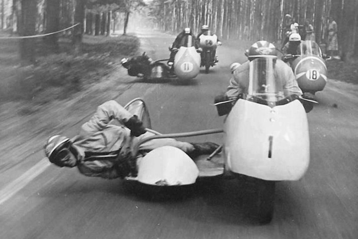 Motorrijders-1200x800